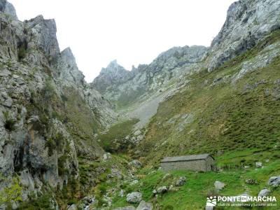 Ruta del Cares - Garganta Divina - Parque Nacional de los Picos de Europa;club de montaña madrid